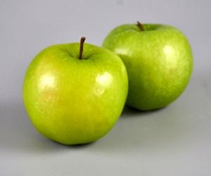 Apple for Hair Growth Juice